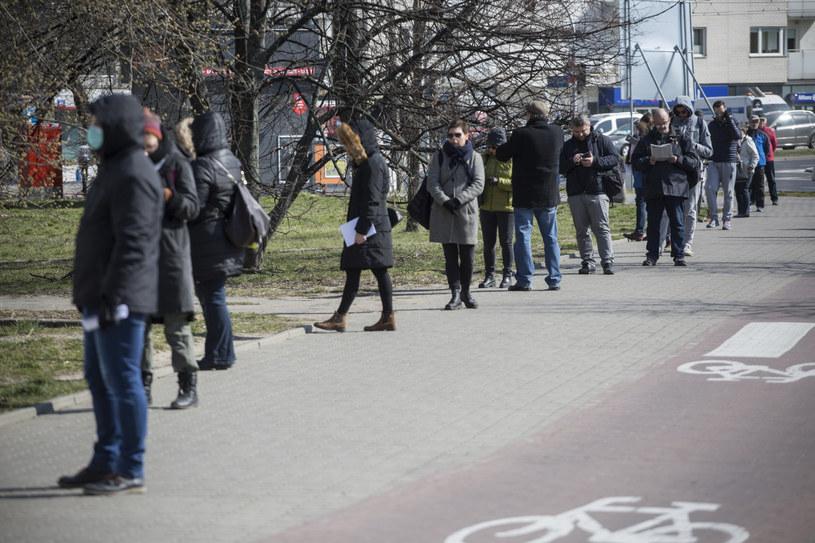 Jeśli firmy nie dostaną pomocy natychmiast, ruszy lawina zwolnień. Fot. Marek M Berezowski. /Reporter