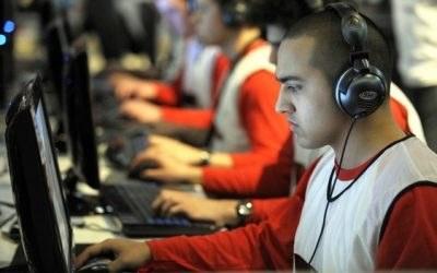 Jeśli gry wideo są twoją pasją, spokojnie możesz zacząć myśleć o pracy w tej branży /AFP