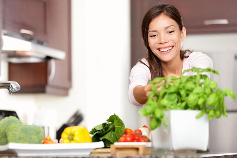 """Jeśli jesteś typem """"zielonym"""" - jedz warzywa /123RF/PICSEL"""