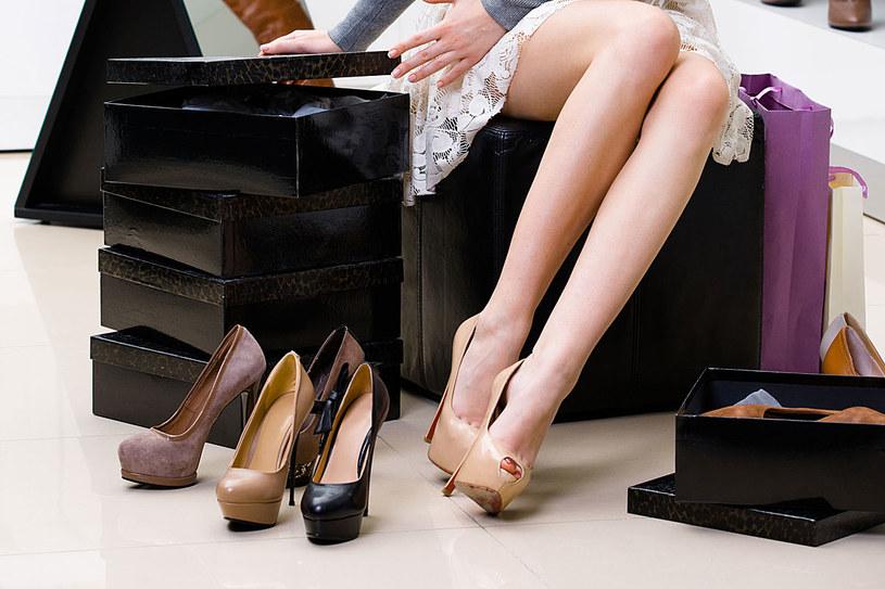 """Jeśli jesteś właścicielką szczupłych nóg, masz niebywałe szczęście! Twoja sylwetka  """"udźwignie"""" każdy fason /123RF/PICSEL"""