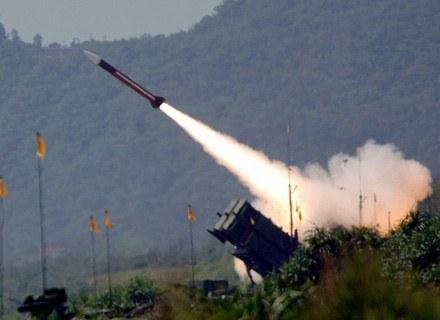 Jeśli już mamy mieć u siebie tarczę, domagajmy się własnych baterii Patriot (nz.). /AFP