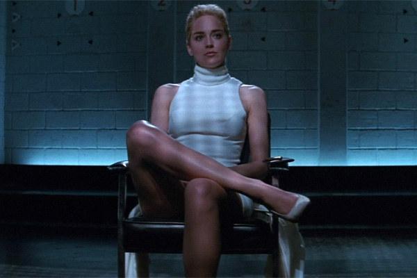 """Jeśli kobieta na randce zachowuje się jak Sharon Stone w """"Nagim Instynkcie"""", wiedz że wszystko jest na dobrej drodze /YouTube"""