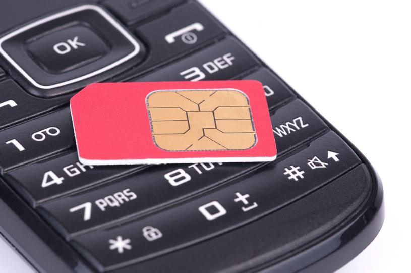 Jeśli ktoś chce kupić zarejestrowaną kartę SIM z nielegalnego źródła - można to zrobić bez problemu /123RF/PICSEL