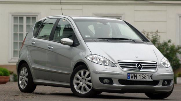 Jeśli ktoś szuka zadbanego Mercedesa w przystępnej cenie – najszybciej znajdzie właśnie klasę A. /Motor