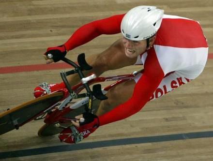 Jeśli na rowerze, to tylko w kasku! / fot. P. Blawicki /Agencja SE/East News