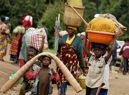 """""""Jeśli na święta dostali drobne dary, to dodatkowo mieli ryż, makaron lub pudełko sardynek"""" /AFP"""