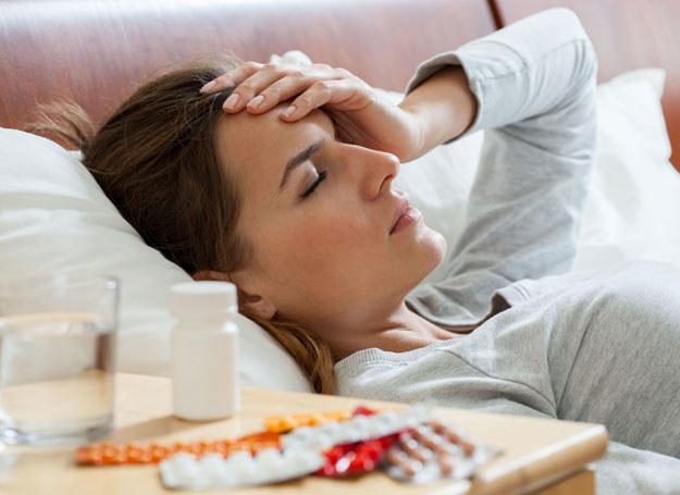 Jeśli nie chcesz łykać antybiotyków staraj się zabopiegać chorobom /123RF/PICSEL