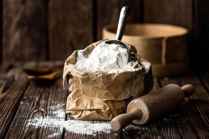 Jeśli nie możesz  jeść glutenu… Sięgnij po mąkę  ryżową, kukurydzianą,   gryczaną lub z prosa. /123RF/PICSEL