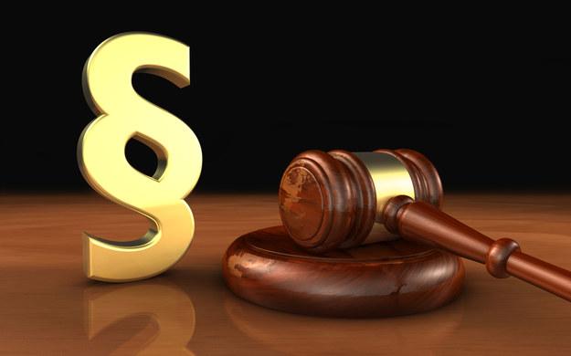 Jeśli nie zostaną dopasowane do siebie dwa różne projekty, dotyczące zasad wydawania świadectw pracy, pracodawcy słono za to zapłacą /123RF/PICSEL