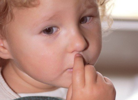 Jeśli objawy występują zbyt długo, koniecznie zabierz dziecko do lekarza /INTERIA.PL