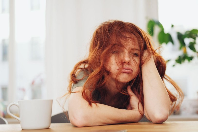 Jeśli odczuwasz ciągłe zmęczenie i senność może to oznaczać, że twojemu organizmowi brakuje pewnych witamin i składników odżywczych /materiały promocyjne
