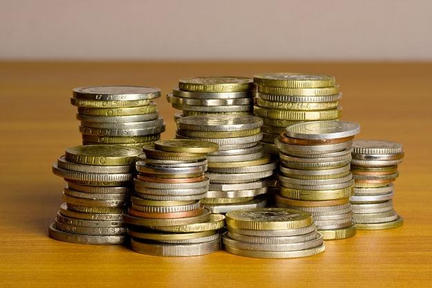 Jeśli oszczędności leżą na zwykłym koncie, z czasem tracą na wartości /©123RF/PICSEL
