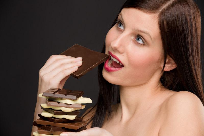 Jeśli sobie nie wyobrażasz życia bez czekolady, koniecznie dowiedz się więcej o inulinie /© Panthermedia