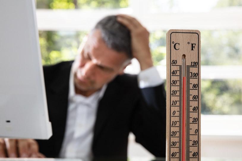 Jeśli termometry wskażą powyżej 30 stopni C w miejscu pracy, firmy musiałyby podjąć działania zmniejszające jej uciążliwość /123RF/PICSEL