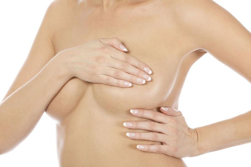 Jeśli tylko będziemy regularnie badać piersi, nie przegapimy żadnej podejrzanej zmiany /- /123RF/PICSEL