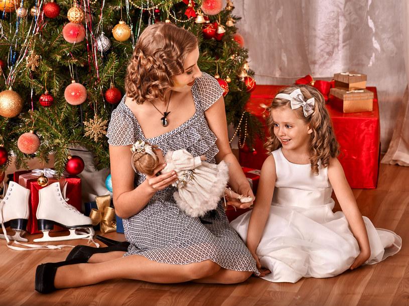 Jeśli w twojej rodzinie też zanika piękna tradycja wspólnego celebrowania Świąt - najwyższa pora to zmienić /123RF/PICSEL