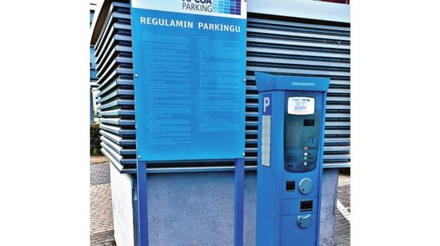 Jeśli zarządca garażu ustawi parkomat, należy z niego korzystać. /Motor