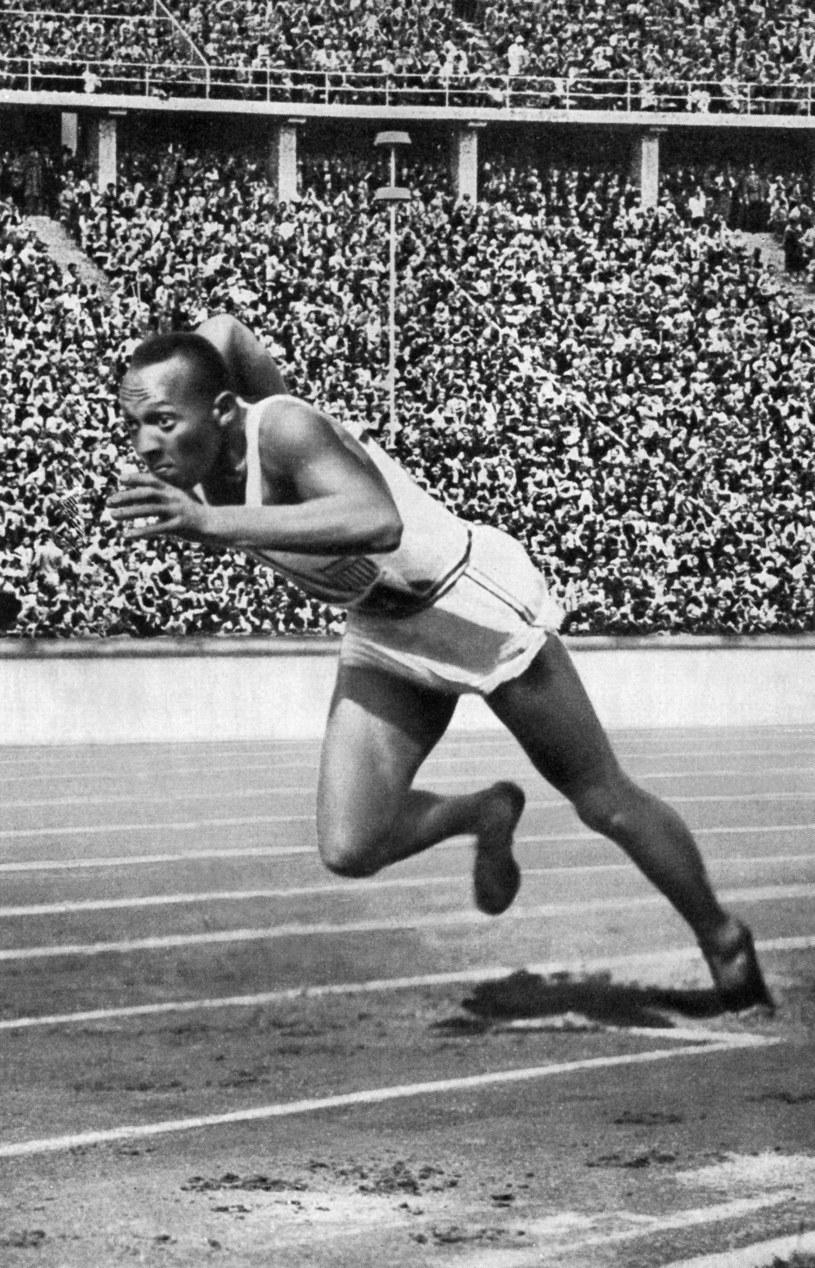 Jesse Owens na igrzyskach w Berlinie /AFP