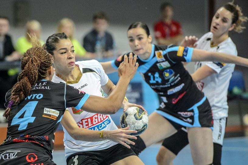 Jessica Da Silva Quintino (z piłką) /Fot. Wojciech Pacewicz /PAP