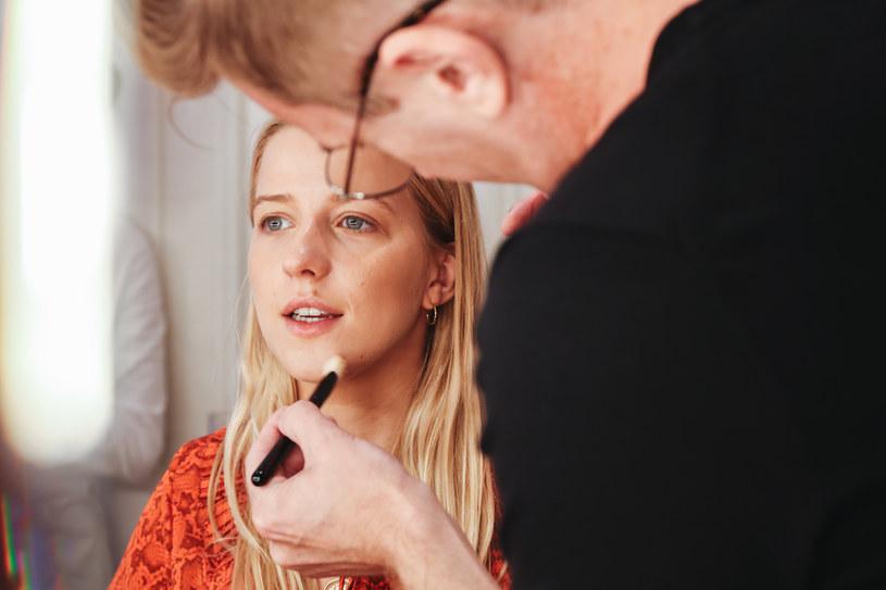 Jessica Mercedes oddała się w ręce makijażysty Giorgio Armani Andrzeja Kawczyńskiego /materiały prasowe