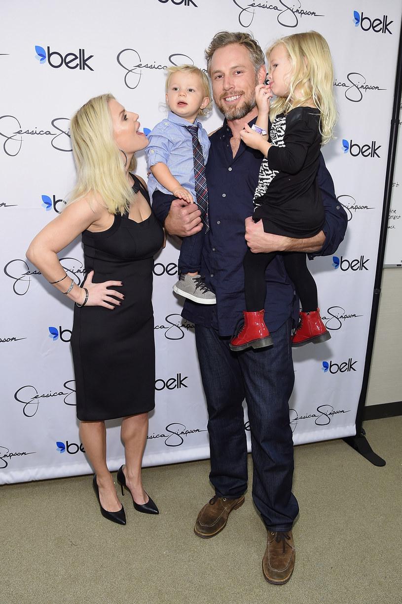 Jessica Simpson z mężem, synem i córką /Jamie McCarthy /Getty Images