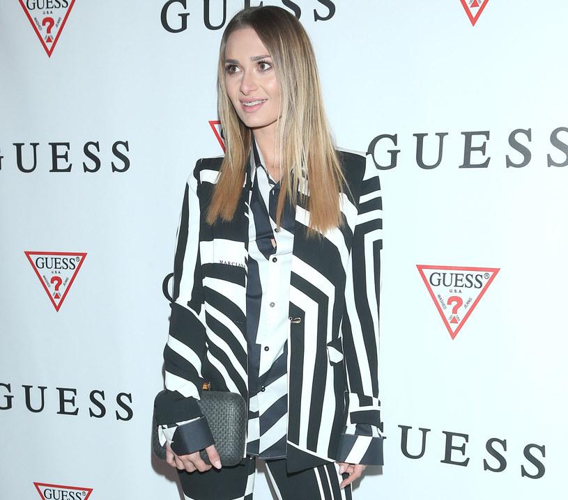 Jessica Ziółek wybrała elegancki garnitur w geometryczne wzory /MWMedia
