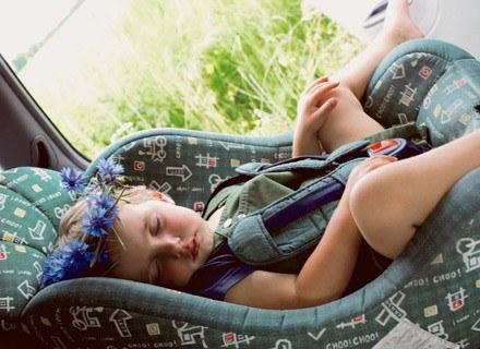 Jest mnóstwo powodów dla których jazda, nawet krótka, może się maluchowi nie podobać /INTERIA.PL