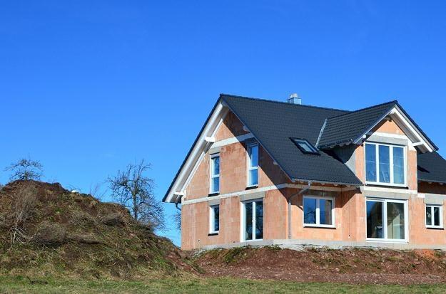 Jest sposób na błyskawiczne wybudowanie domu /© Panthermedia