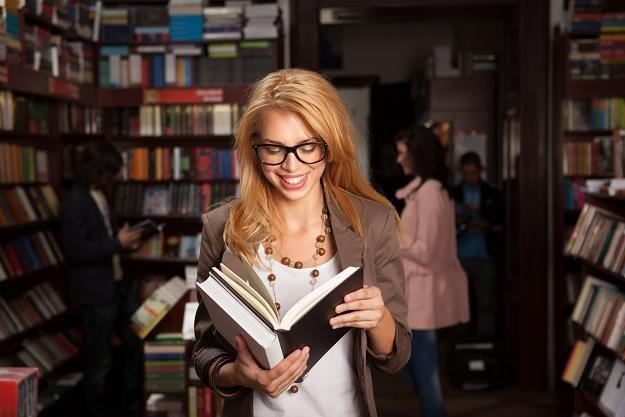 Jest szansa, że Polacy odliczą od dochodu część wydatków ponoszonych w księgarni /©123RF/PICSEL