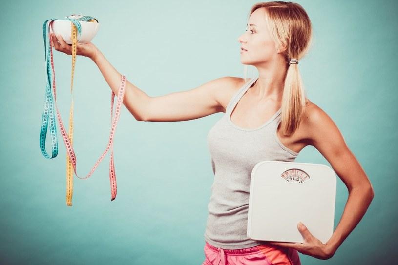 Jest wiele diet, które mają pomóc w osiągnięciu pięknej sylwetki /123RF/PICSEL