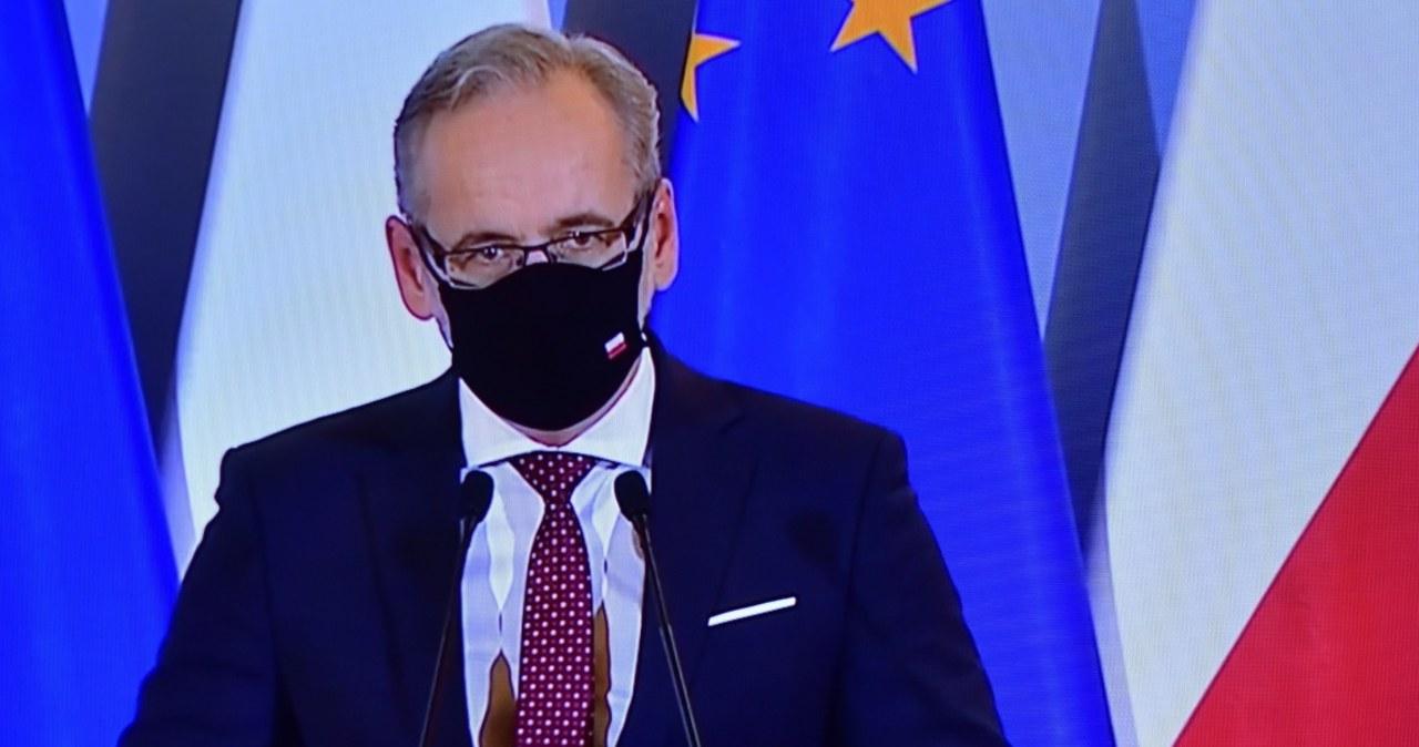 """""""Jestem przerażony"""". Minister zdrowia o obchodzących obostrzenia  """"Jestem przerażony"""". Minister zdrowia o obchodzących obostrzenia 000ALJXG96447PXM C461"""