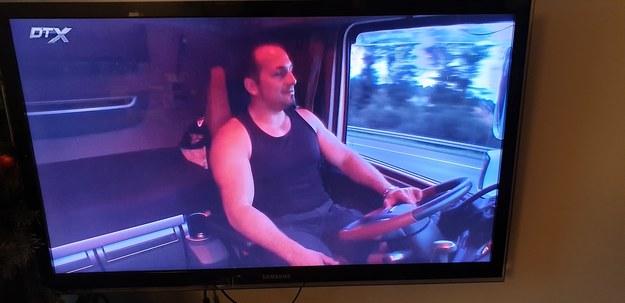 Jestem w szoku. Zobacz co ten facet wyprawia za kierownicą