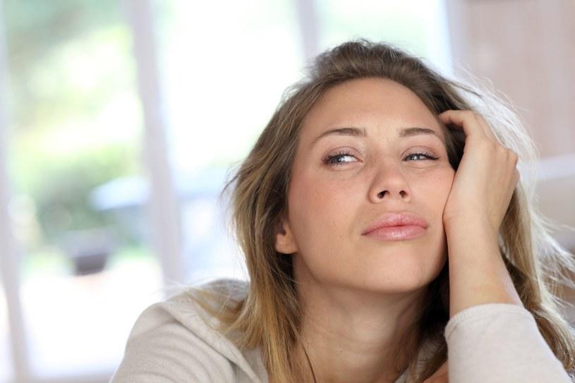 Jesteś wciąż zmęczona? To może być niedociśnienie! /123RF/PICSEL
