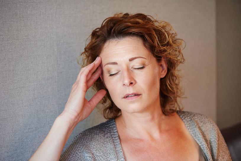 Jesteś wiecznie zmęczona? Sprawdź koniecznie, jak działają u ciebie hormony tarczycy /123RF/PICSEL