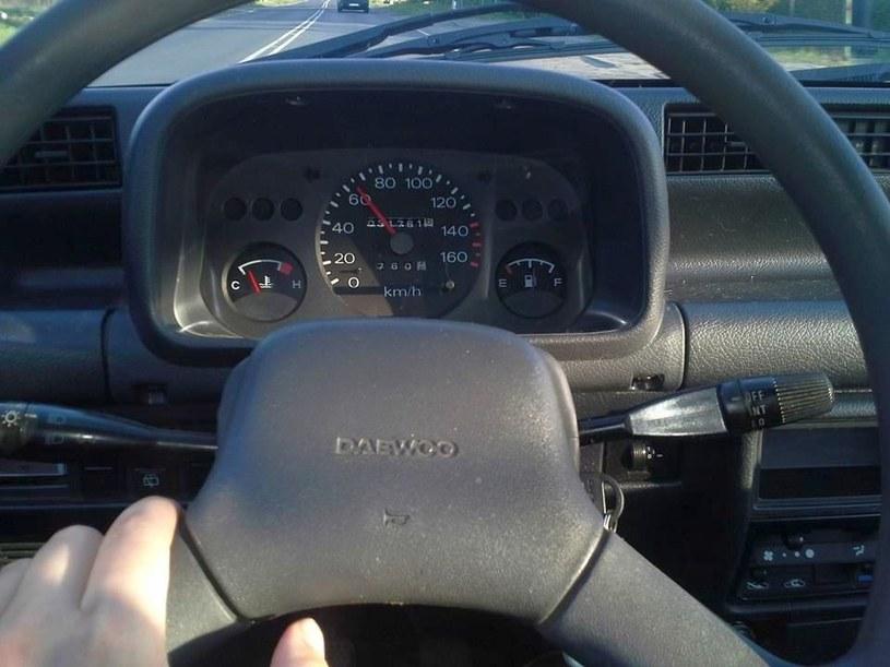 Jeszcze 20 lat temu w Polsce można było zrobić prawo jazdy kat. B w wieku 17 lat /INTERIA.PL