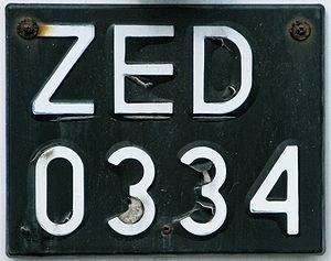 Jeszcze 8 mln pojazdów ma czarne tablice /RMF
