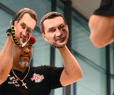 Jeszcze nie weszli do ringu, a Polak już okłada Kliczkę!