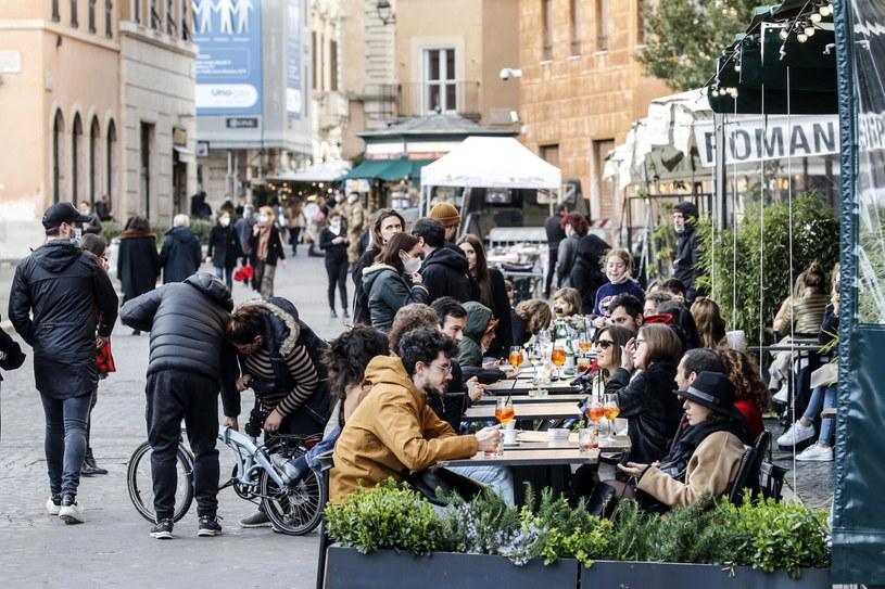 Jeszcze wczoraj ulice włoskich miast tętniły życiem /GIUSEPPE LAMI /PAP/EPA