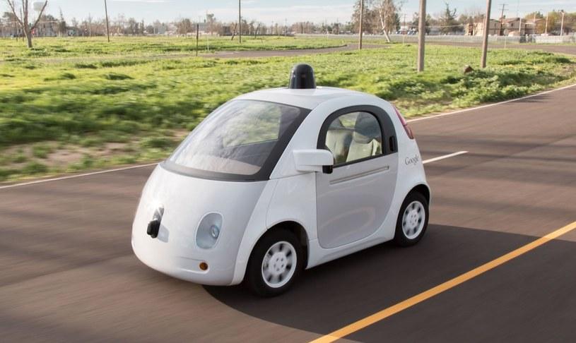 Jeżdżący prototyp samochodu autonomicznego autorstwa Google /