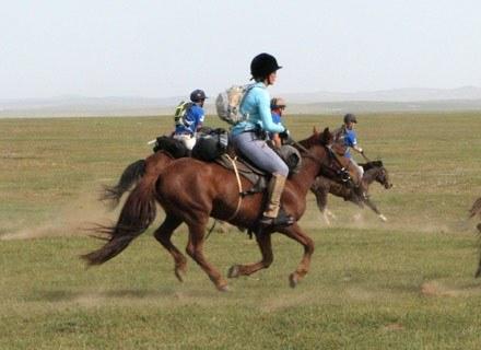Jeźdzcy na trasie, Mongolia, 29 sierpnia 2009 /AFP