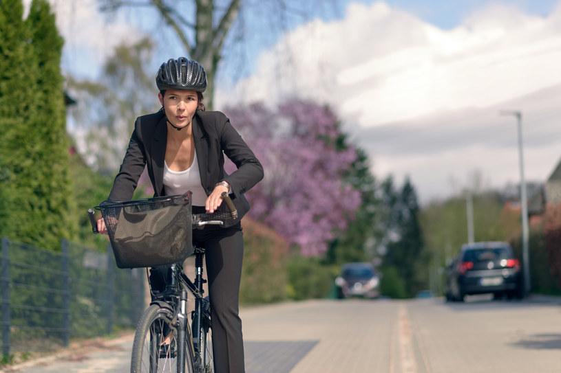 Jeździsz do pracy rowerem? Będziesz żyć dłużej! /123RF/PICSEL