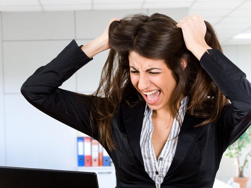 Jeżeli pojawia się kryzys, to mamy prawo płakać, krzyczeć, być zasmarkanym, rozmazanym. Nawet w pracy /123RF/PICSEL