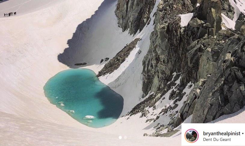 Jezioro, które sfotografował francuski alpinista, uformowało się na wysokości ponad 3 tys. m. n.p.m. /Instagram /