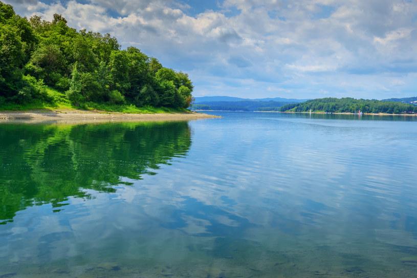 Jezioro Solińskie przyciąga turystów jak magnes, zwłaszcza gdy pogoda za oknem dopisuje /123RF/PICSEL