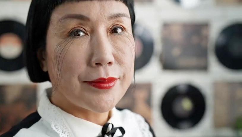 Jianxia podkreśla, że nie musi korzystać z eyelinera ani cieni do powiek /Guinness World Records/Ferrari Press/East News /East News