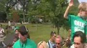 Jim Carrey protestuje