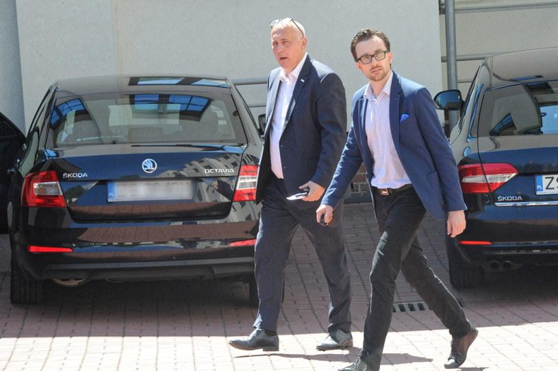 Joachim Brudziński przed prokuraturą w Szczecinie / Marcin Bielecki    /PAP