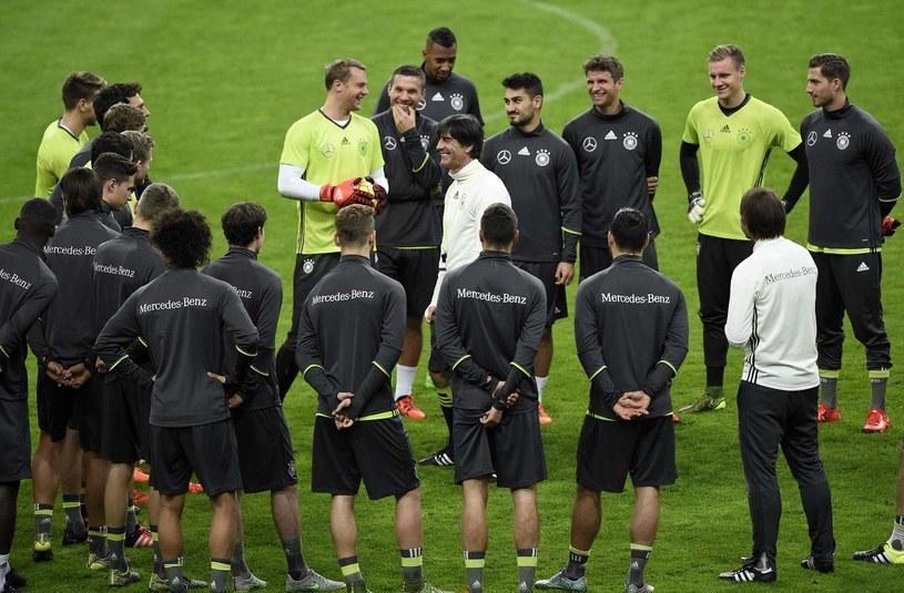 Joachim Loew z piłkarzami reprezentacji Niemiec /AFP