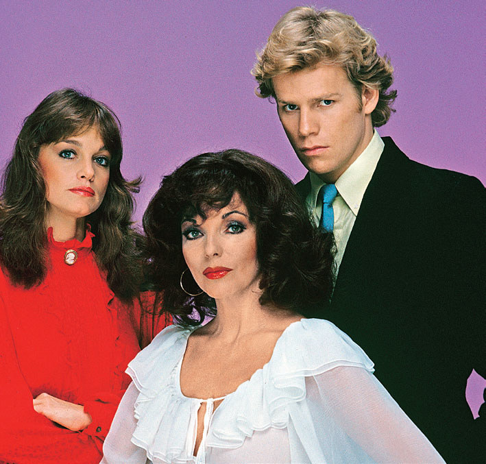 Joan z pierwszymi odtwórcami ról swoich dzieci – z Pamelą Sue Martin (Fallon) i Alem Corleyem (Steven). /Świat Seriali