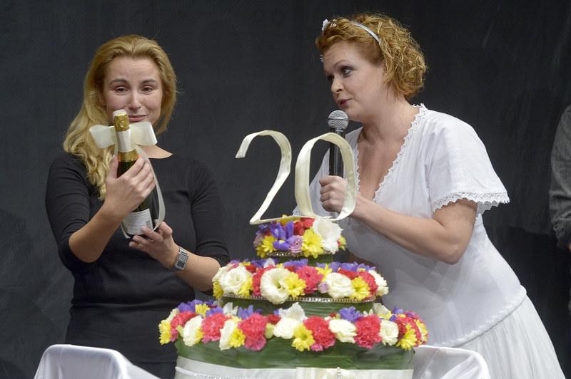 Joanna Brodzik i Daria Widawska /Gałązka /AKPA